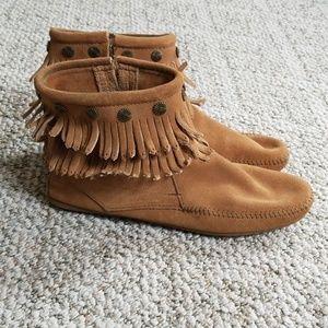 Minnetonka ankle boots size 11